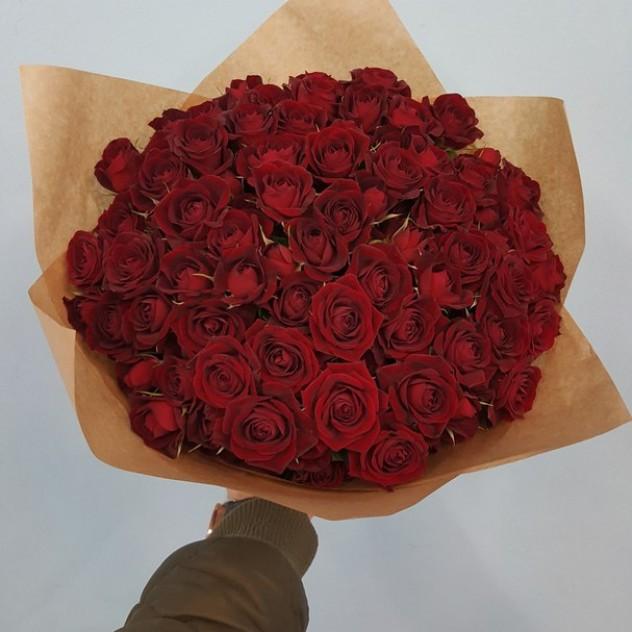 41 веточная роза в крафте